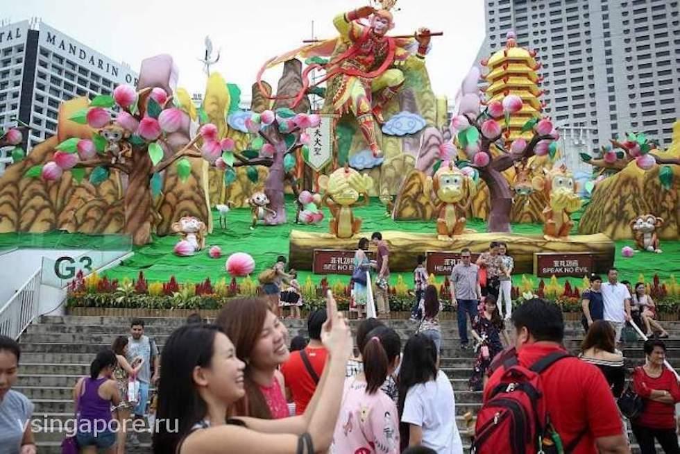 Китайский Новый год на Марина Бей Сингапур с фигурами животных