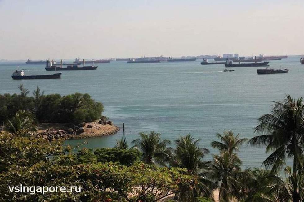 Корабли на рейде Сингапура