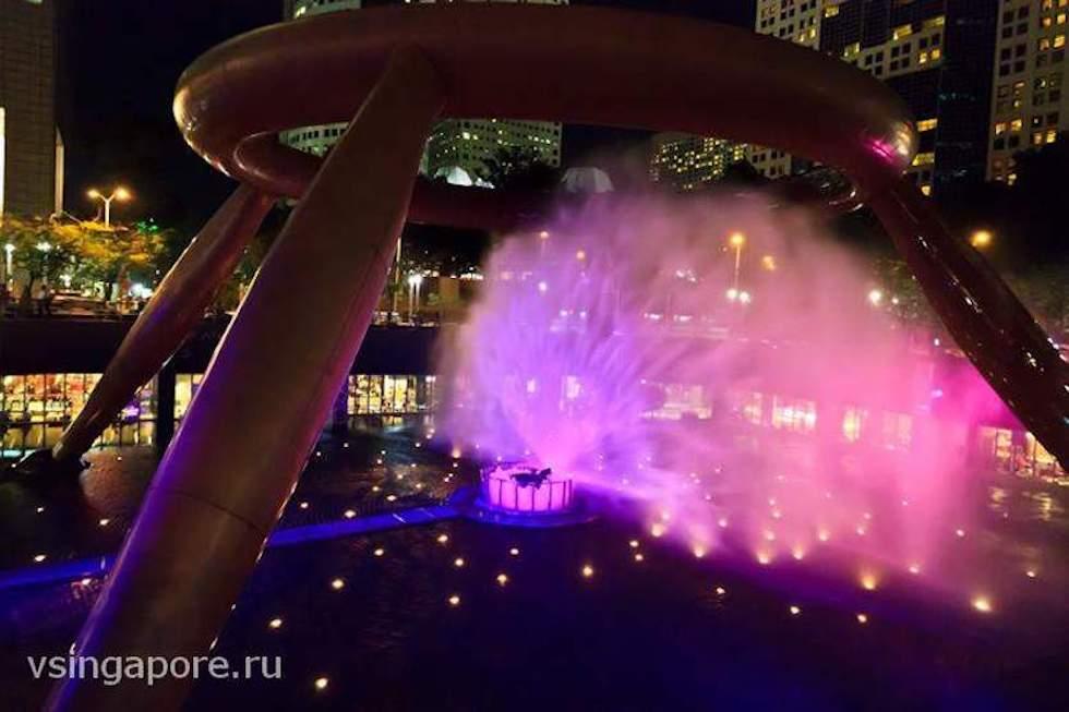 Сингапурский фонтан богатства на Китайский Новый год